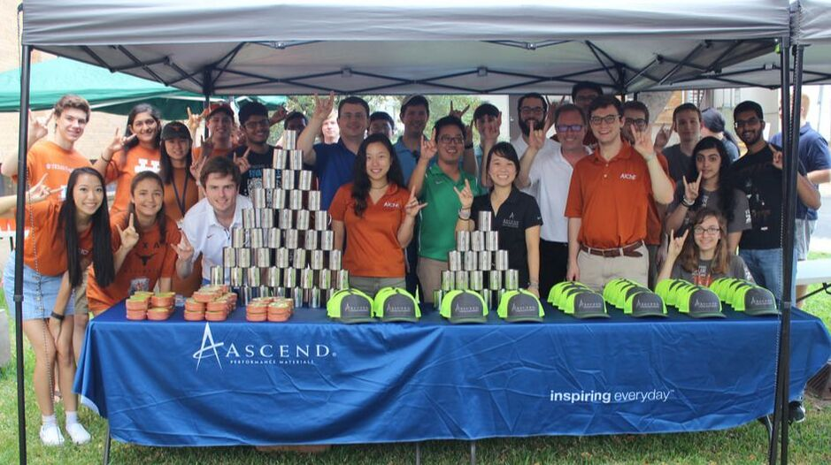 Group Picture of Ascend Tailgate